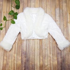 Sweaters - Faux Fur White Shrug Size L/XL